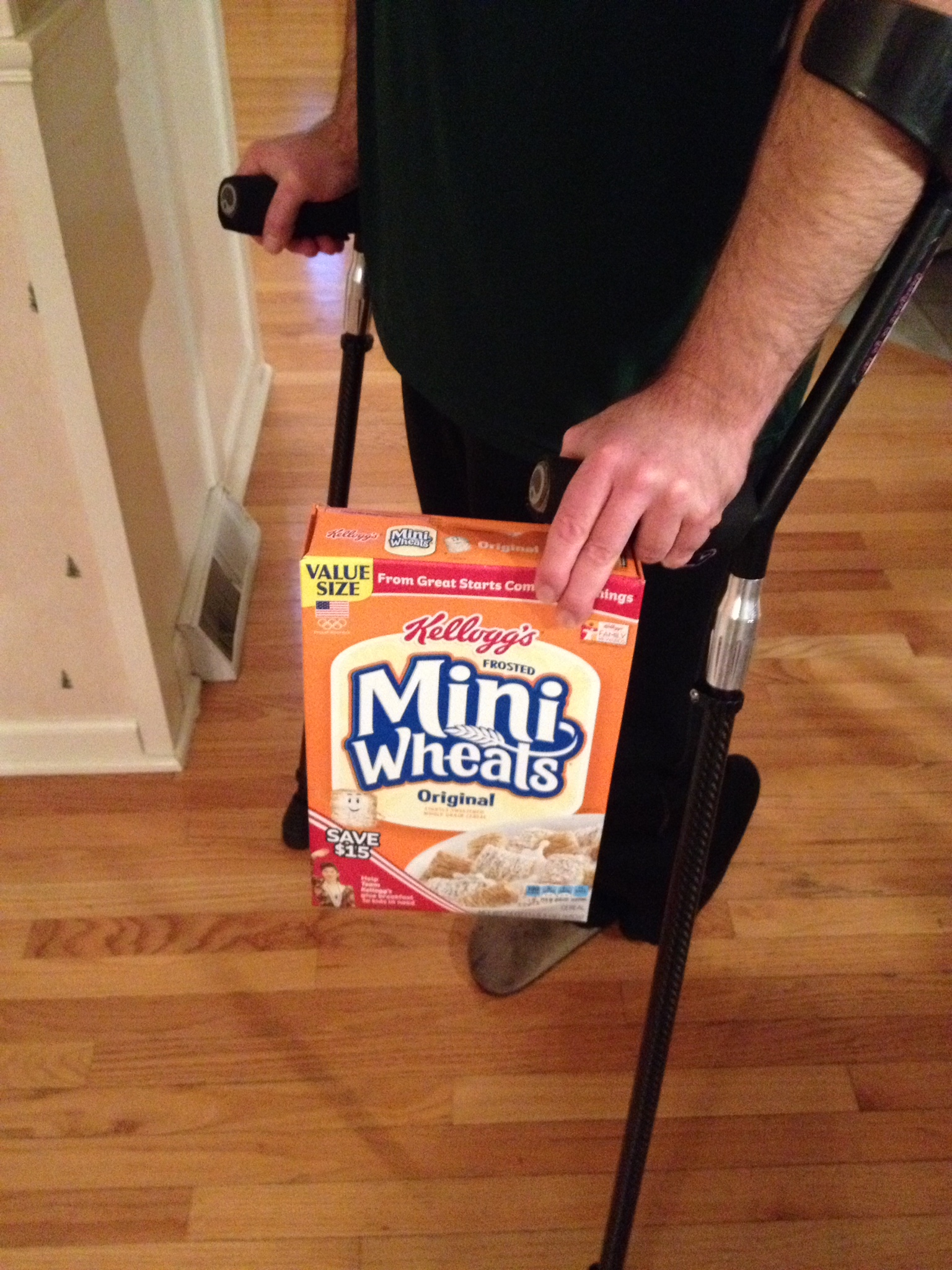 ten ways to carry things when using crutches to walk